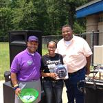 Aziza wins the grand prize at the picnic
